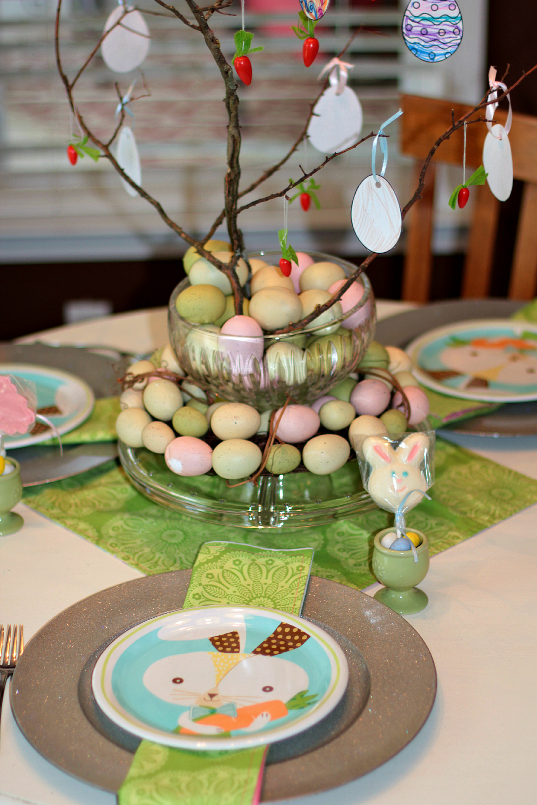 Easter table dating
