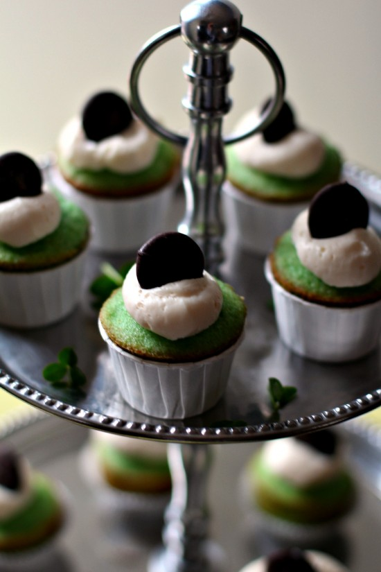 Mint Chocolate Chip Cupcakes with Cream Cheese Frosting | High Heels ...