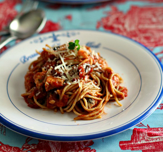 Italian Chicken Spaghetti with Red Wine Sauce