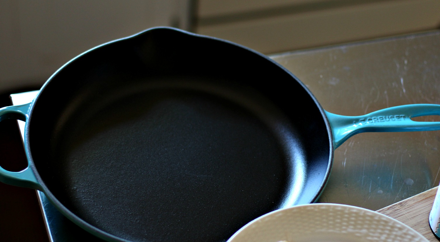 this le creuset 1025u2033 signature cast iron skillet is so versatile and can easily transition from the oven to the stove the helper handle is such a great - Le Creuset Skillet