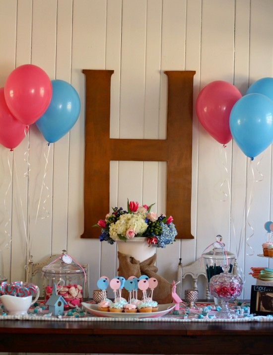 tablescape for gender reveal party