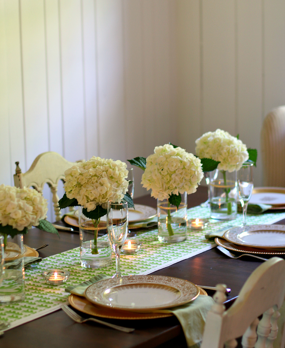 Green White Amp Gold Color Palette For A Simple And Elegant Tablescape High Heels To Hot Wheels