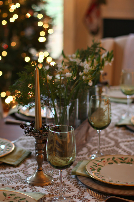 Simple Rustic Christmas Tablescape